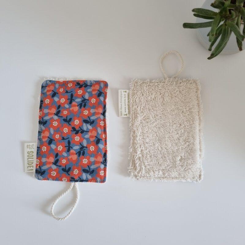 Eponge réutilisable et durable en tissu bio et rembourrage loofah - motifs variés